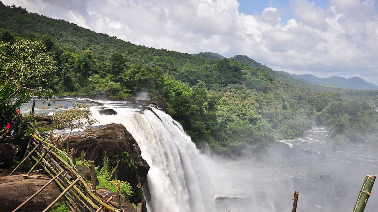 athirapally waterfalls with 6 day package