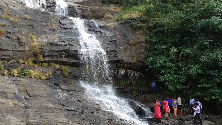 cheeyappara waterfalls in munnar 3 day package
