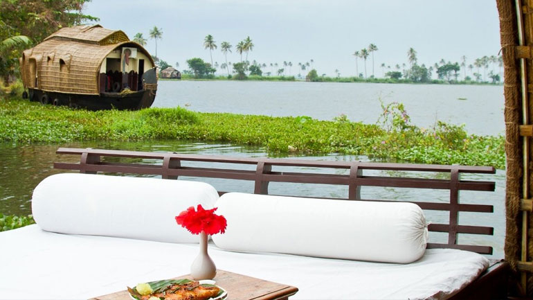 luxury kerala honeymoon package with houseboat